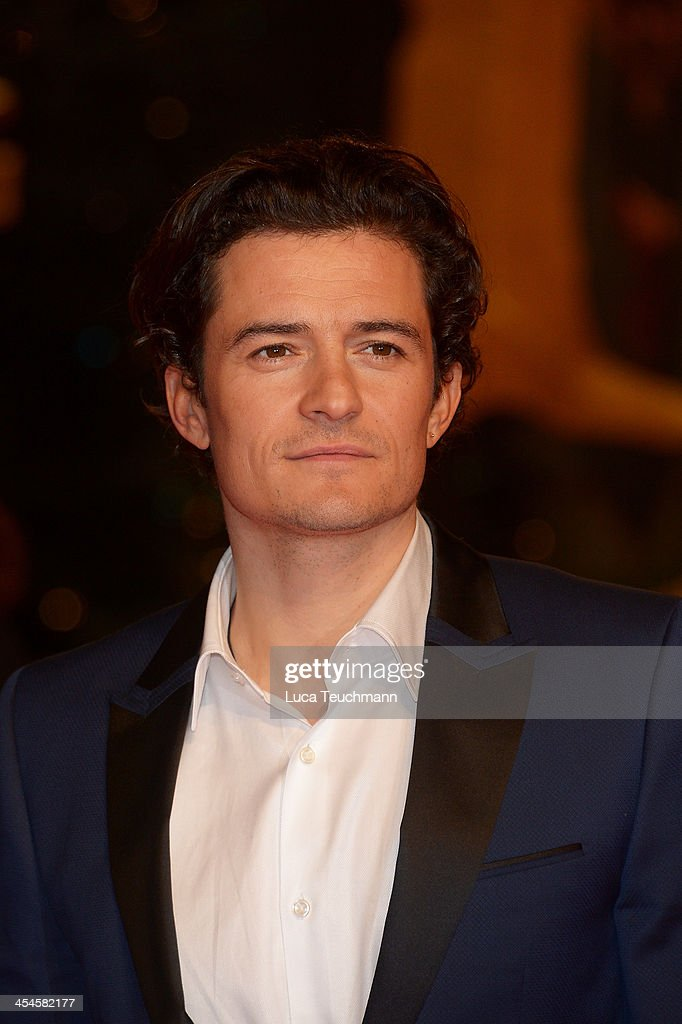 Orlando Bloom attends the German premiere of the film 'The Hobbit: The Desolation Of Smaug' (Der Hobbit: Smaugs Einoede) at Sony Centre on December 9, 2013 in Berlin, Germany.
