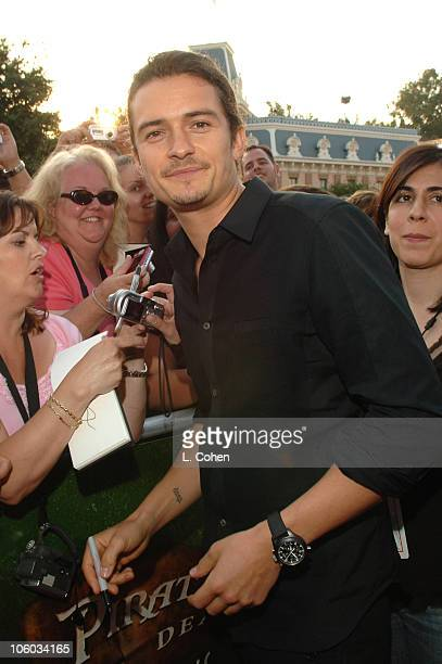 Orlando Bloom during 'Pirates of the Caribbean Dead Man's Chest' World Premiere Red Carpet at Disneyland in Anaheim California United States