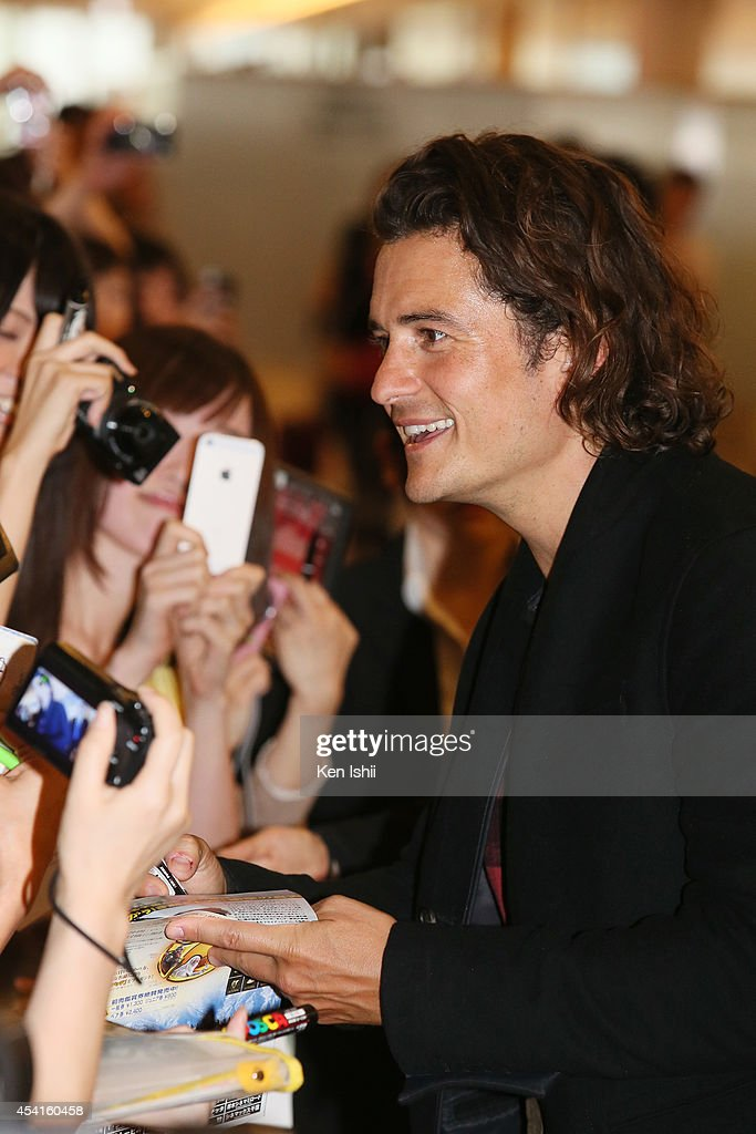 Orlando Bloom is seen upon arrival at Haneda Airport on August 26, 2014 in Tokyo, Japan.
