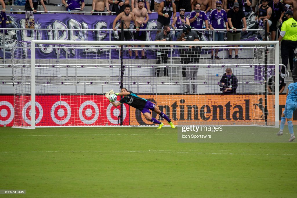 SOCCER: NOV 21 MLS Cup Playoffs Eastern Conference Round One - New York City FC at Orlando City SC : News Photo