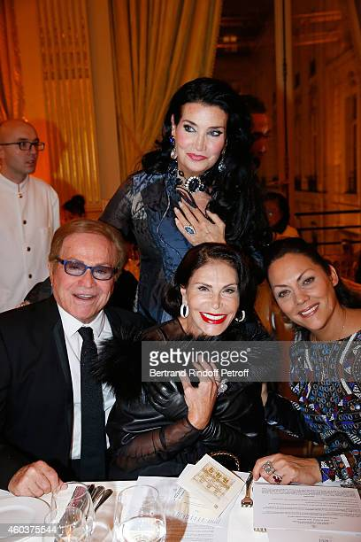 Orlando Gigliotti Mouna Ayoub Lamia Khashoggi and Princesse Hermine de Clermont Tonnerre attend The Children for Peace Gala at Cercle Interallie on...