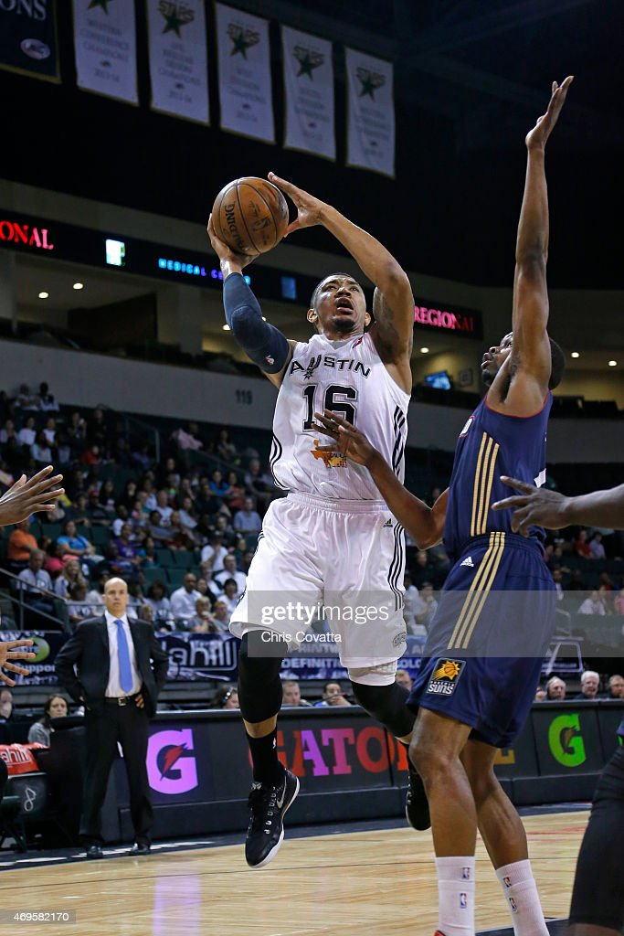 Orlando Johnson #16 of the Austin Spurs drives to the basket against the Bakersfield Jam in game three of the 2015 D-League playoffs at the Cedar Park Center on April 12, 2015 in Cedar Park, Texas.