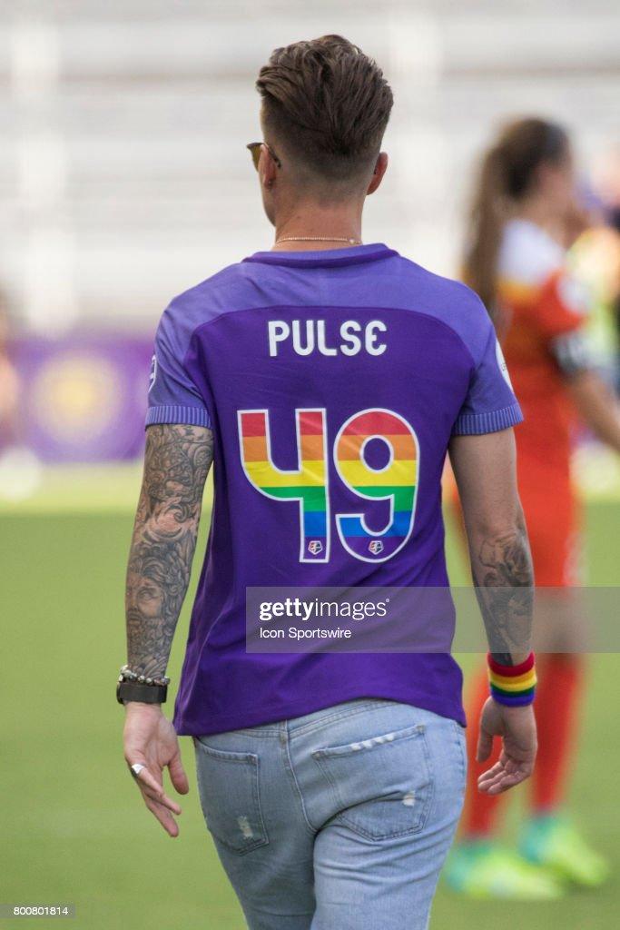 uudet alhaisemmat hinnat parhaat super erikoisuuksia Orlando Pride goalkeeper Ashlyn Harris wears a special ...