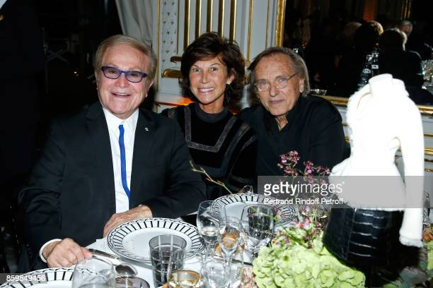 Orlando Sylvie Rousseau and Alexandre Arcady attend the 'Diner des Amis de Care' at Hotel Peninsula Paris on October 9 2017 in Paris France