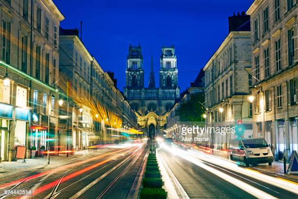 orleans cathedral illuminated at night in orleans - orleans loiret imagens e fotografias de stock