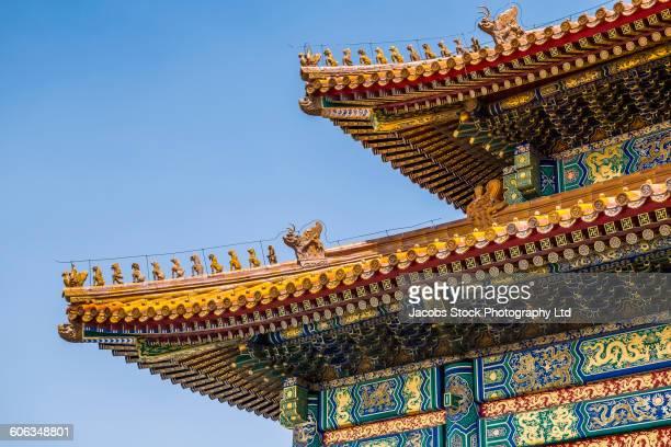 ornate architecture on historical building, beijing, beijing municipality, china - pagode stock-fotos und bilder