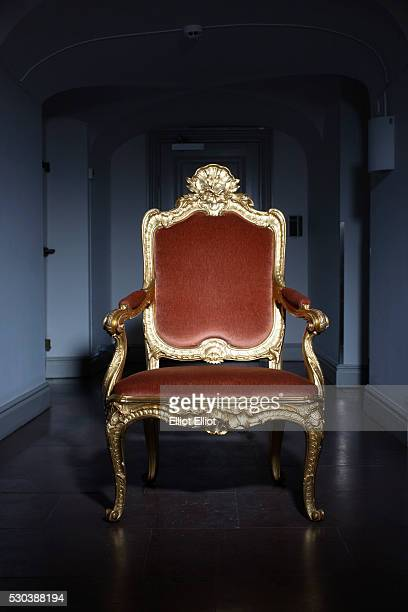 ornate chair - throne stock pictures, royalty-free photos & images