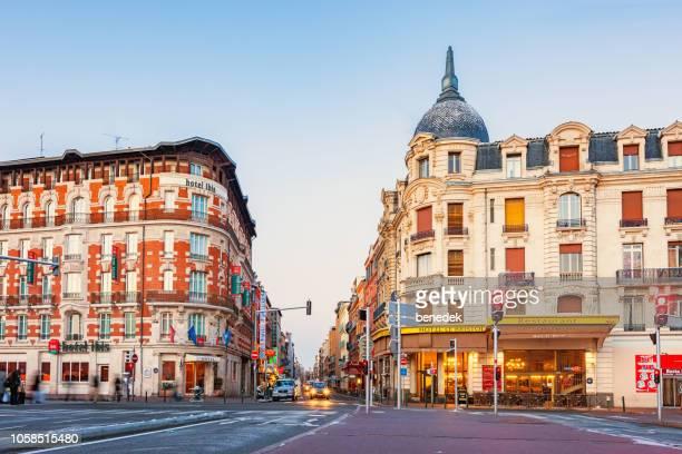 ダウンタウン ツールーズ フランスの華やかなホテル - トゥールーズ ストックフォトと画像