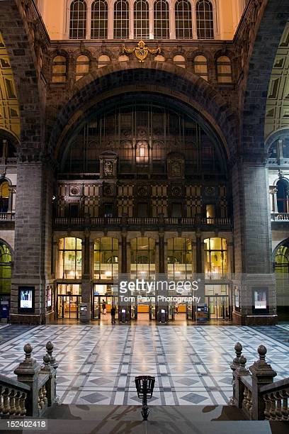 ornate interior of lobby - antwerp city belgium stock pictures, royalty-free photos & images