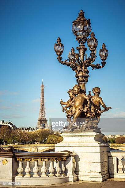 ornate lamp of the alexandre iii bridge, paris, france - pont alexandre iii photos et images de collection