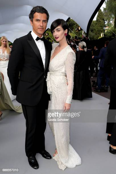 Orson Salazar and Paz Vega arrive at the amfAR Gala Cannes 2017 at Hotel du CapEdenRoc on May 25 2017 in Cap d'Antibes France
