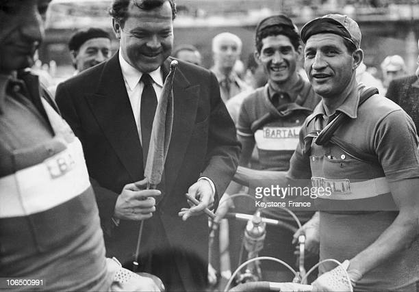 Orson Welles Attending The Start Of The 37Th Tour De France On July 13 1950 He Gave The Starting Signal Standing Beside Gino Bartali And Corrieri At...
