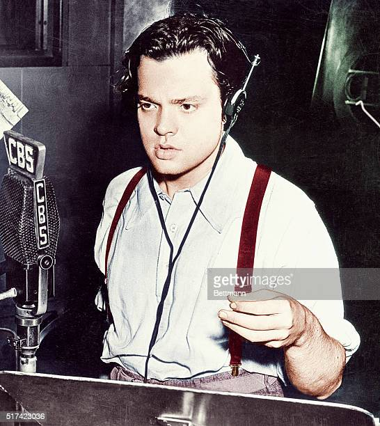 Orson Welles Broadcasting on CBS ca 1938