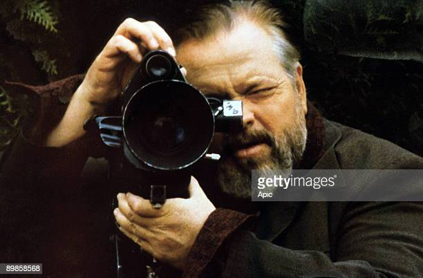 Orson Welles on the set of 'Verites et mensonges' 1973