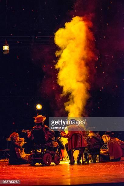 Berliner Ensemble Titel Die Danksager Bunter Abend Text und Regie Leander Haussmann Sven Regener Kostueme Janina Brinkmann UA Darst CarmenMaja Antoni...