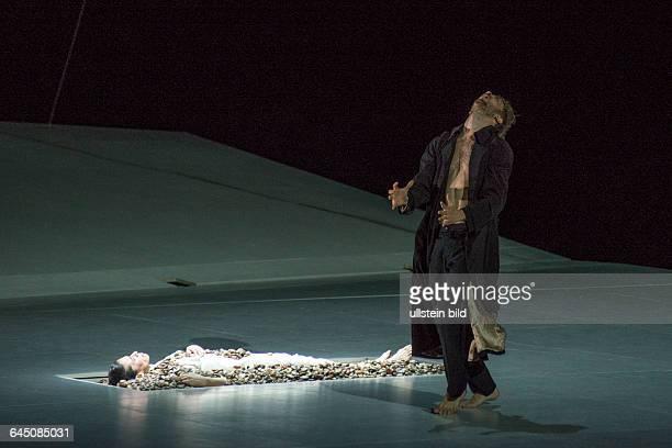 Deutsche Oper Berlin Titel Romeo und Juliette Autor Hector Berlioz Musikal Leitung Donals Runnicles Regie Choreographie Sasha Waltz Buehne Thomas...