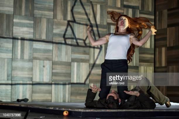 Deutsches Theater Berlin Titel Amerika Autor Franz Kafka Regie Buehne Dusan David Parizek Kostueme Kamila Palivkova Premiere 270917 Darst Marcel...
