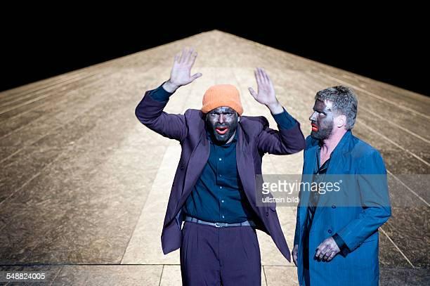 Deutsches Theater Berlin Titel Unschuld Autor Dea Loher Regie Michael Thalheimer Schauspieler Andreas Doehler Peter Moltzen