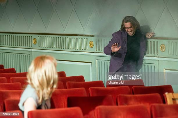 Maxim Gorki Theater Berlin Titel Uebergangsgesellschaft Autor Volker Braun Regie Buehne Lukas Langhoff Kostueme Ines Burisch Musik Volkan T Premiere...