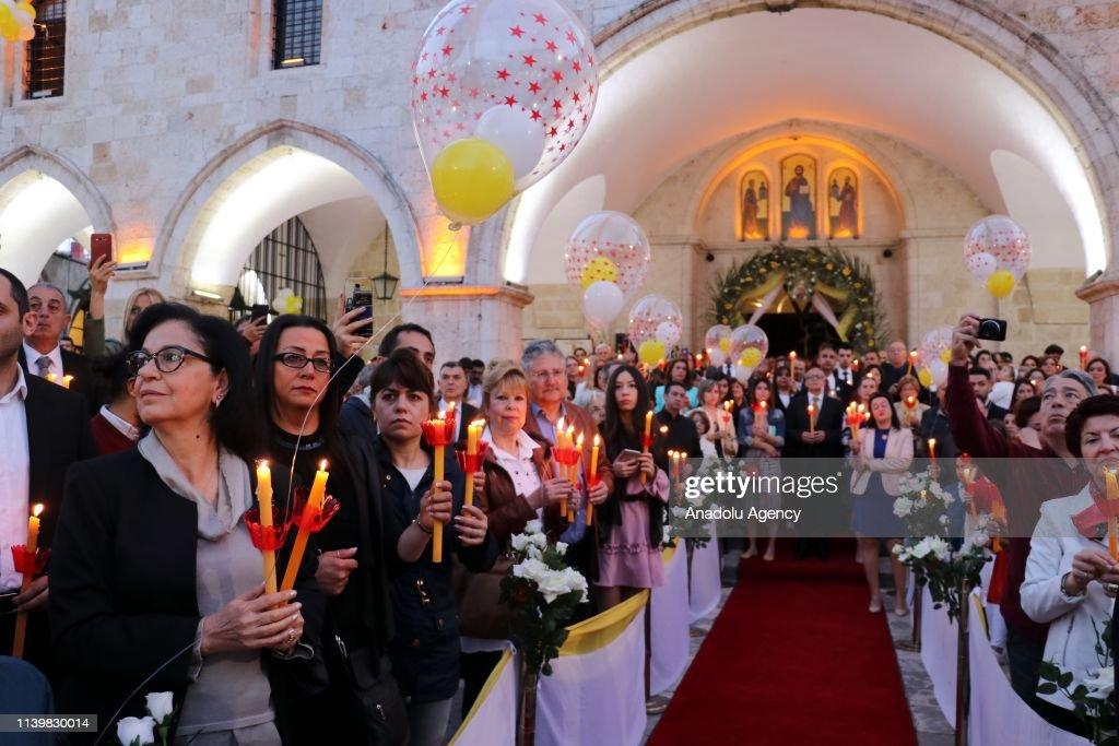 Easter Vigil in Turkey's Hatay : Nachrichtenfoto