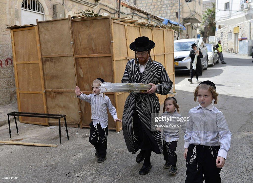 Preparations for Sukkot biblical Jewish holiday : News Photo