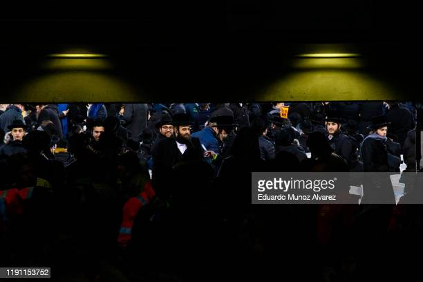 Orthodox Jews attend the 13th Siyum HaShas a celebration marking the completion of the Daf Yomi at the MetLife Stadium on January 1 2020 in East...