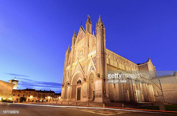 orvieto cathedral (duomo) - orvieto stock pictures, royalty-free photos & images