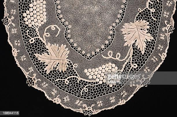 orvieto crochet lace - doily bildbanksfoton och bilder