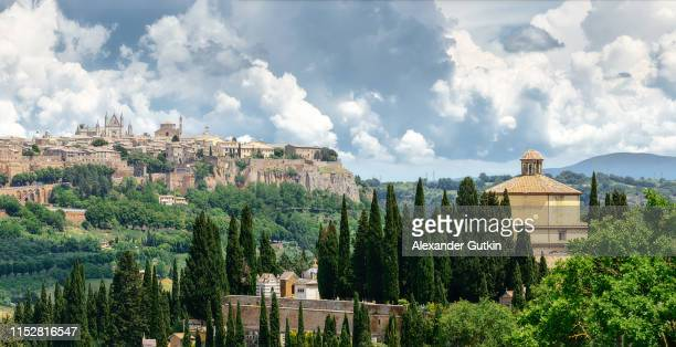 orvieto in umbria, italy - orvieto stock pictures, royalty-free photos & images