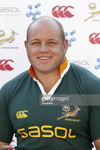 Os du Randt is seen during a photo shoot for the South African rugby union squad with the new SASOL jersey at Newlands, on September 28, 2004 in Cape...