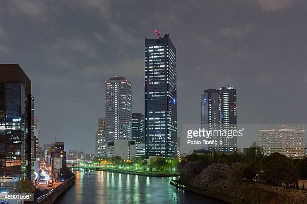 osaka business park by night - 大阪ビジネスパーク ストックフォトと画像