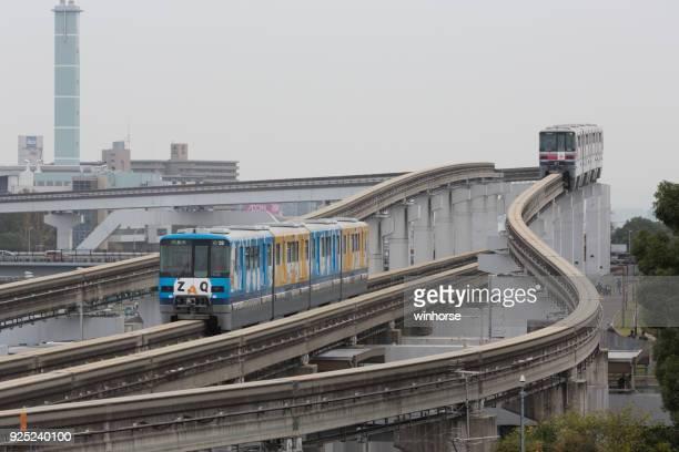 大阪モノレール日本の電車 - 吹田市 ストックフォトと画像