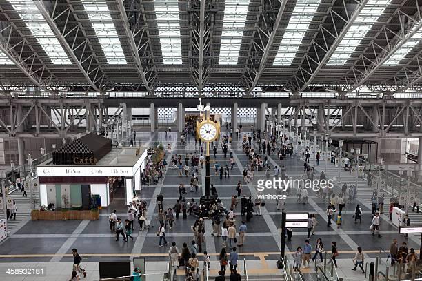 大阪駅である