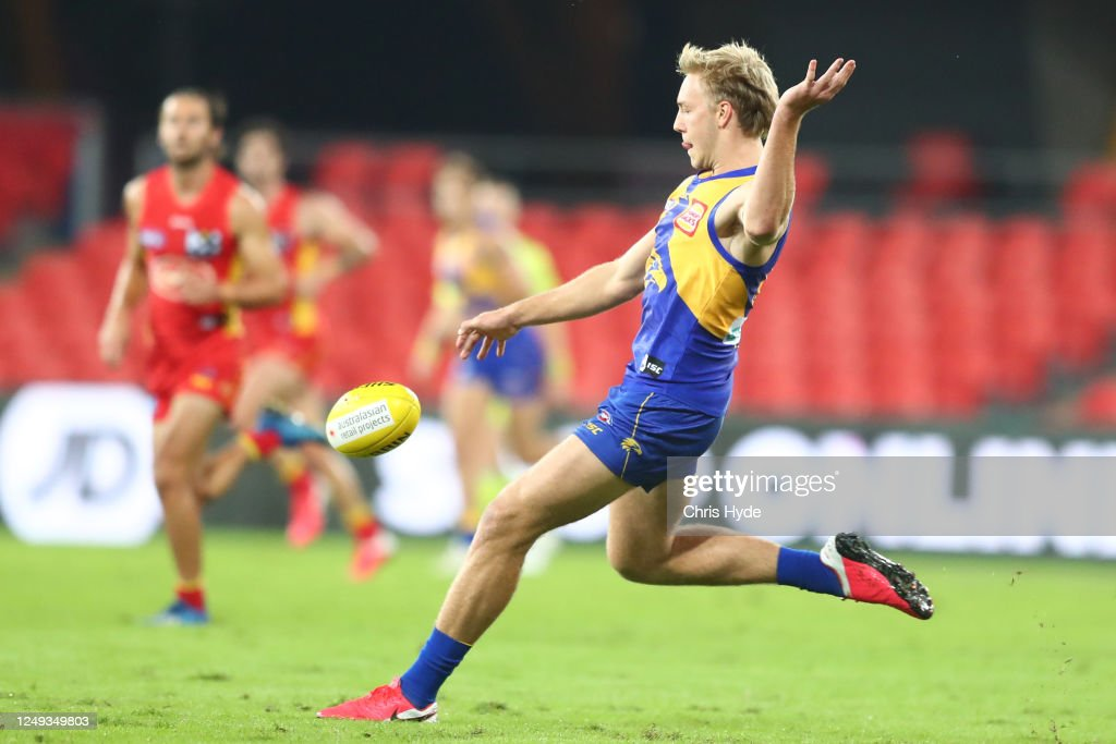 AFL Rd 2 - Gold Coast v West Coast : News Photo