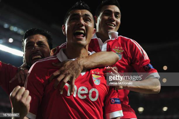 Oscar Cardozo celebrates his winning goal for Benfica during the UEFA Europa League semi final second leg match between SL Benfica and Fenerbahce SK...