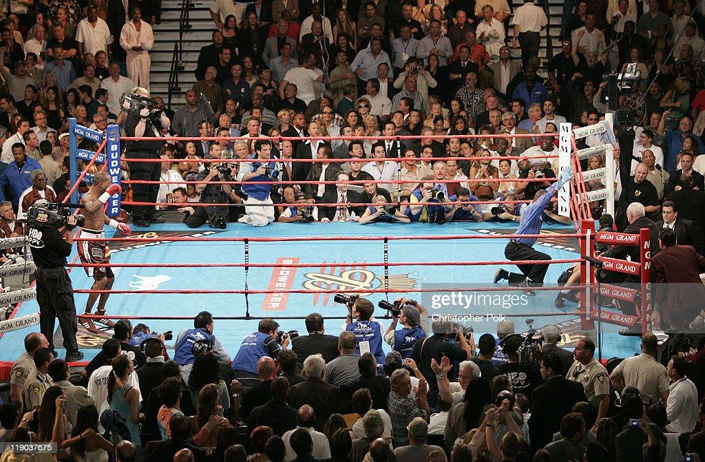 Oscar de la Hoya vs. Bernard Hopkins - September 18, 2004