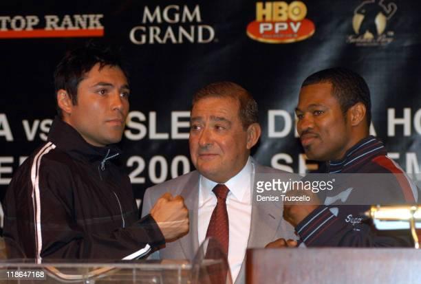 Oscar De La Hoya Bob Arum Sugar Shane Mosley during De La Hoya vs Mosley World Super Welterweight Championship Press Conference at MGM Grand Hotel...