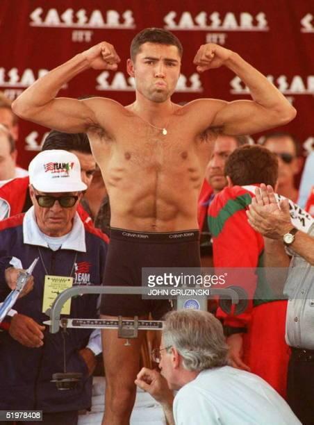 Oscar De La Hoya is weighed by Nevada boxing commissioner Marc Ratner 06 June in Las Vegas De La Hoya at 139 lbs will fight Julio Cesar Chavez for...