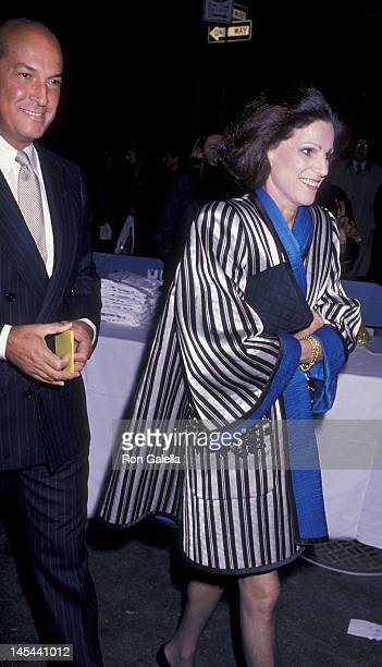 Oscar de la Renta and Annette Reed attend Fete de Famille AIDS Benefit Party on October 3 1989 at Mortimer's Restaurant in New York City
