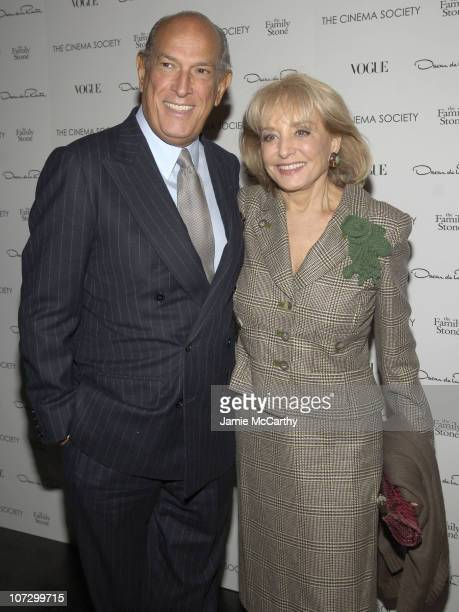 """Oscar de la Renta and Barbara Walters during The Cinema Society and Vogue Present """"The Family Stone"""" Hosted by Sarah Jessica Parker and Oscar de la..."""