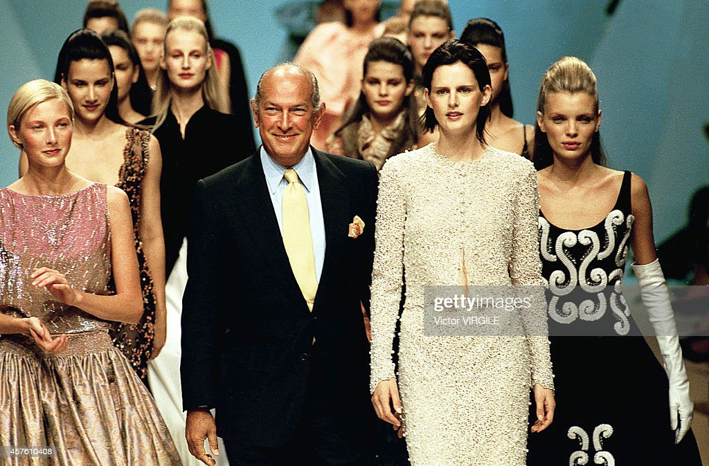 Balmain - Runway - Haute Couture Fall Winter 1999 - 2000 : News Photo