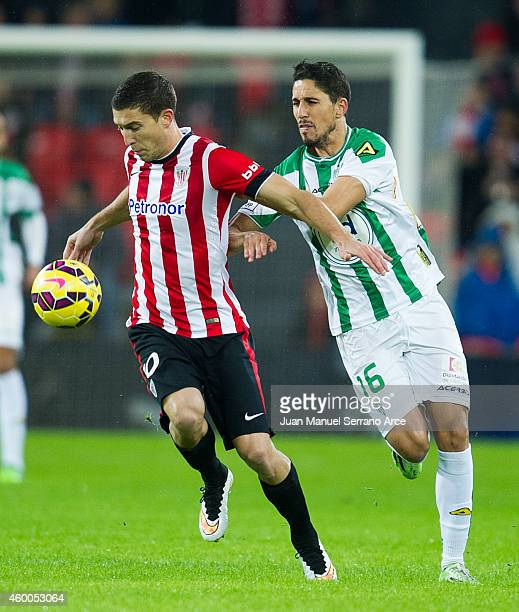 Oscar De Marcos of Athletic Club duels for the ball with Fidel ChavezÊ of Cordoba CF during the La Liga match between Athletic Club and Cordoba CF at...
