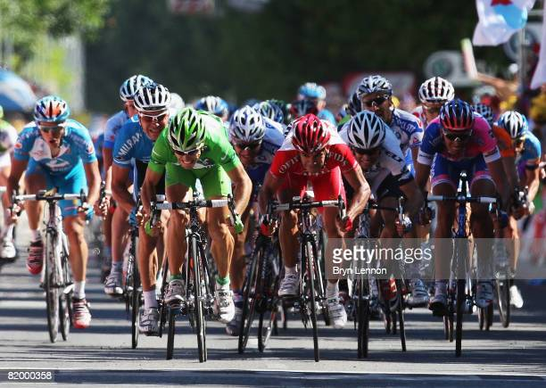 Oscar Freire of Spain and Rabobank crosses the line to win stage fourteen of the 2008 Tour de France from Nimes to Digne-les-Bains on July 19, 2008...