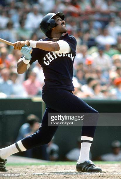 Oscar Gamble of the Chicago White Sox bats during a Major League Baseball game circa 1977 Gamble played for the White Sox in 1977 and 1985