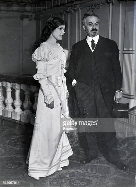 Oscar Hammerstein playwright with Felicia Lyne