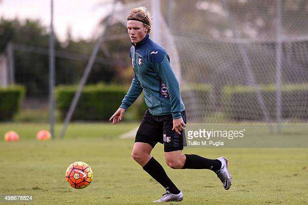 Oscar Hiljemark in action during a US Citta' di Palermo training session at Campo Tenente Onorato on November 25 2015 in Palermo Italy