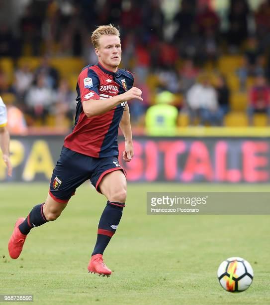 Oscar Hiljemark of Genoa CFC in action during the serie A match between Benevento Calcio and Genoa CFC at Stadio Ciro Vigorito on May 12 2018 in...