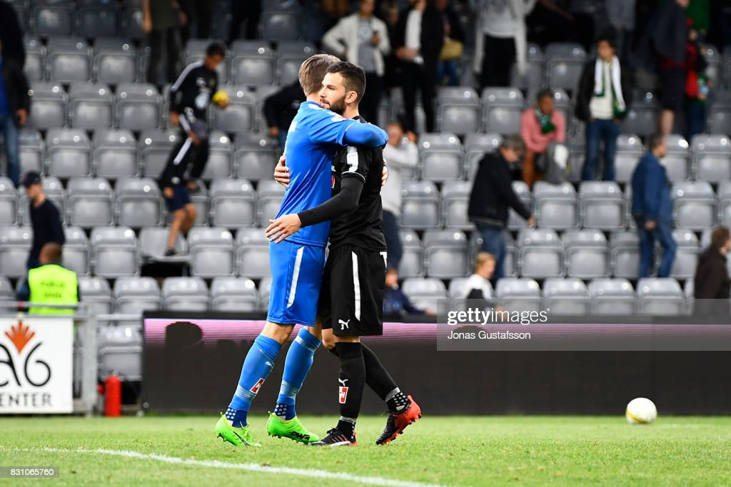 Oscar Jansson of Orebro SK celebrates after the victory during the Allsvenskan match between Jonkopings Sodra IF and Orebro SK at Stadsparksvallen on August 13, 2017 in Jonkoping, Sweden.
