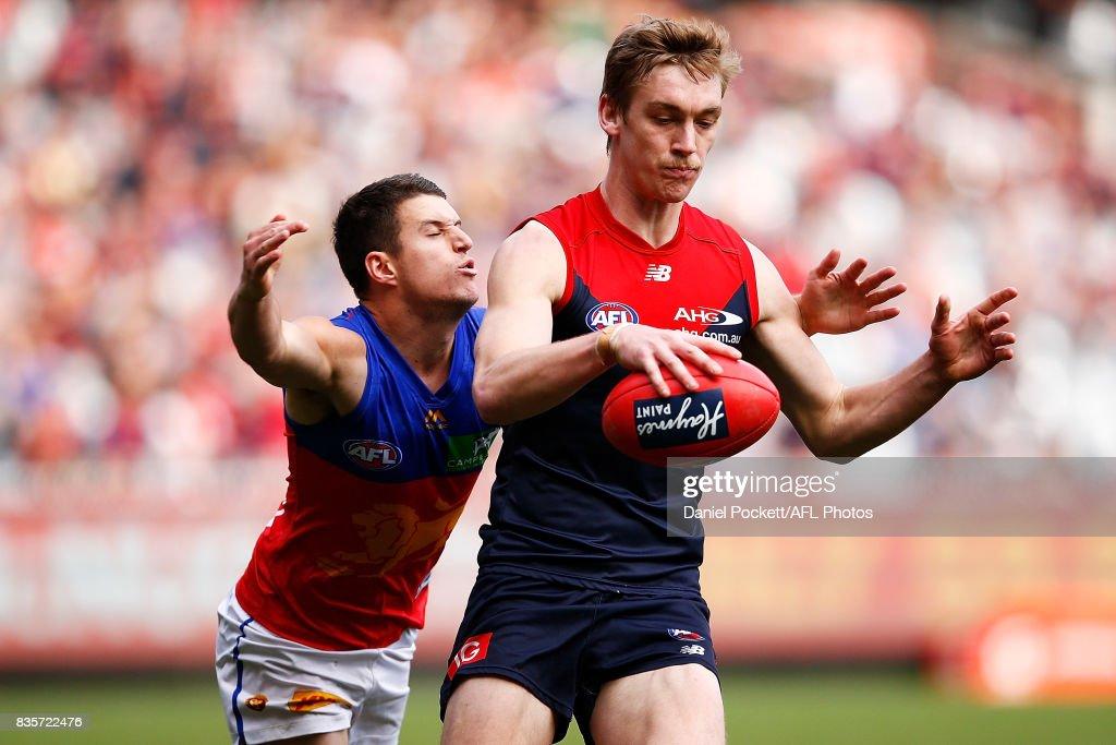 AFL Rd 22 - Melbourne v Brisbane : News Photo