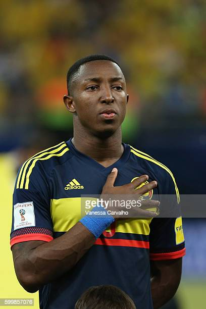 Oscar Murillo of Colombia sings the national anthem during a match between Brazil and Colombia as part of FIFA 2018 World Cup Qualifiers at Arena...